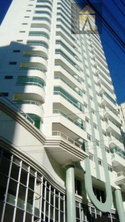Apartamento residencial à venda, Pioneiros, Balneário Camboriú - AP0413.