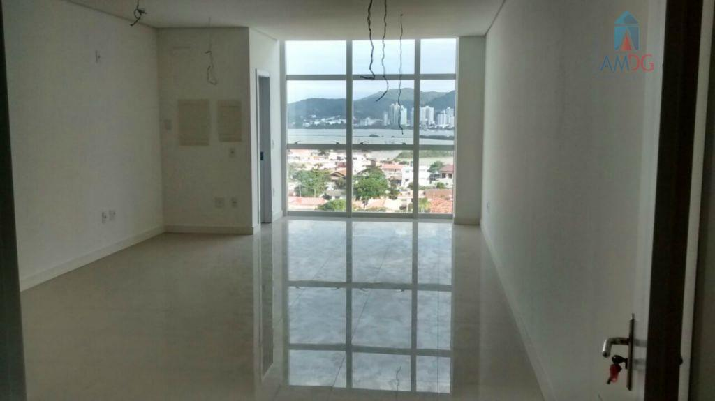 Sala comercial para venda e locação, Centro, Navegantes - SA0035.
