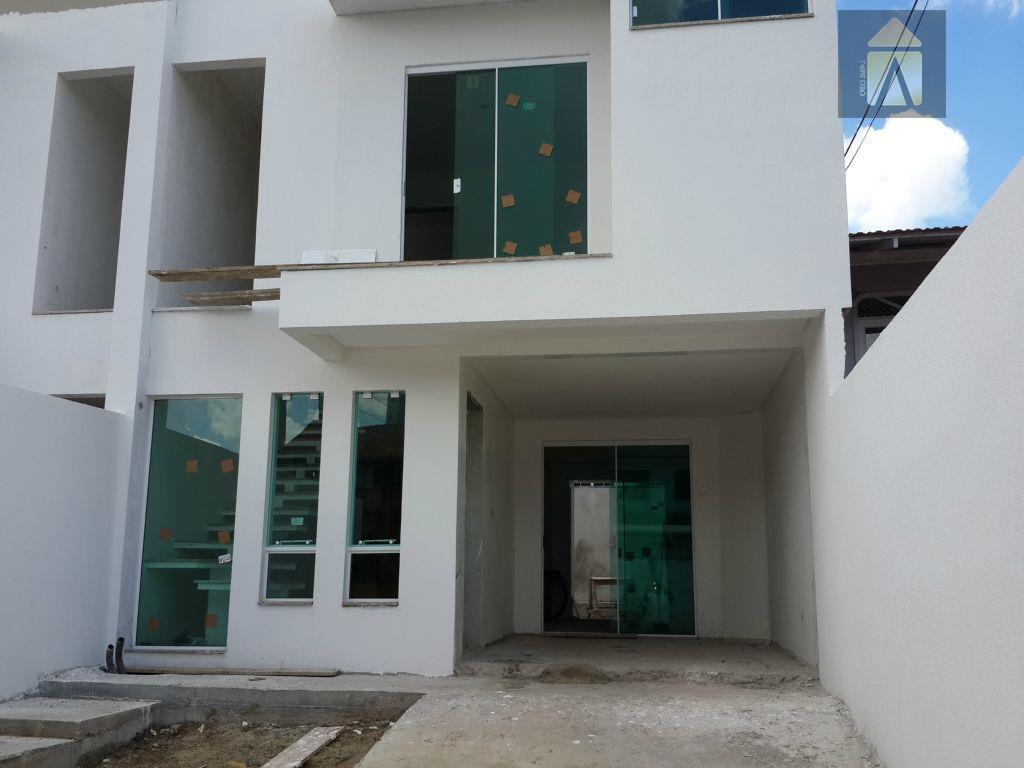Sobrado residencial à venda, Dom Bosco, Itajaí - SO0057.