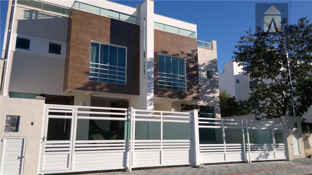Casa residencial à venda, Praia dos Amores, Balneário Camboriú - CA0212.