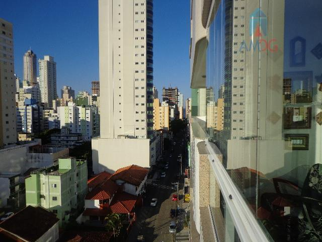 Apartamento residencial à venda, Centro, Balneário Camboriú - AP0667.