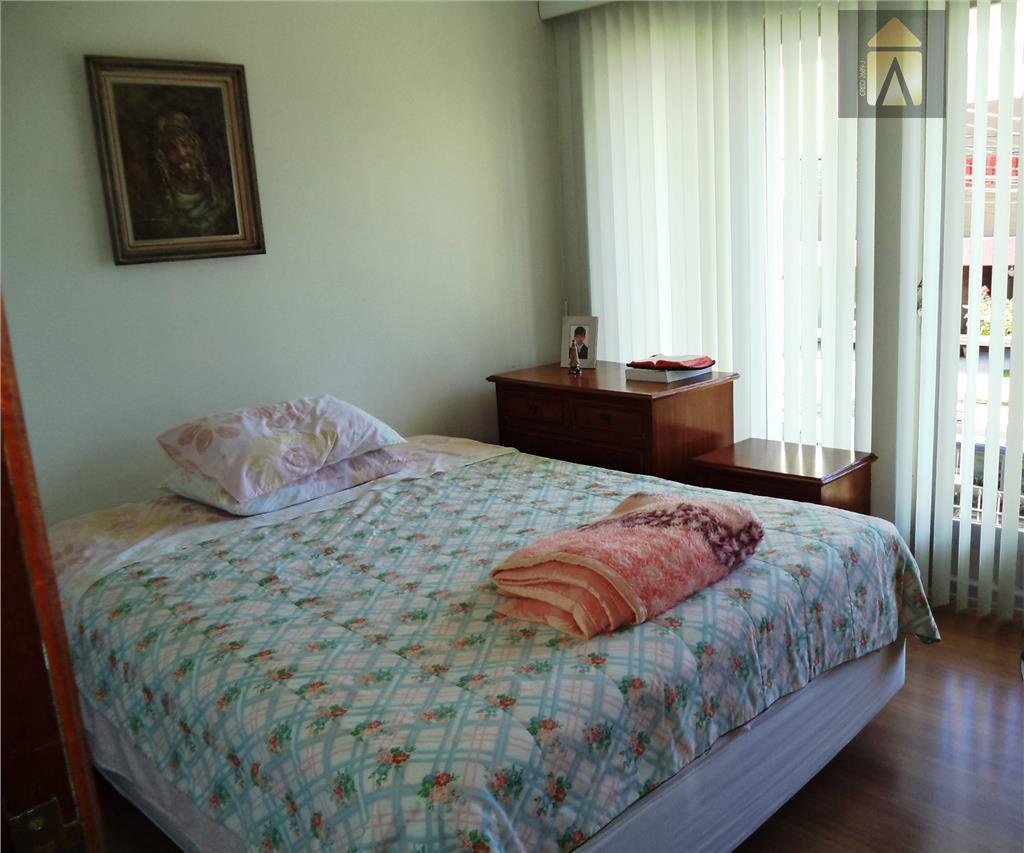 01 suite, 03 dormitórios, lavabo,sala de estar,sala de tv, cozinha,banheiro social,sacada, edicula, área de serviço,depósito,banheiro,sala de...
