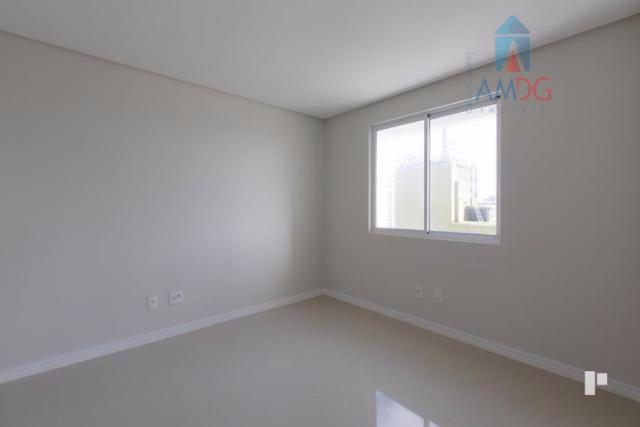Apartamento residencial à venda, Centro, Itajaí - AP0708.
