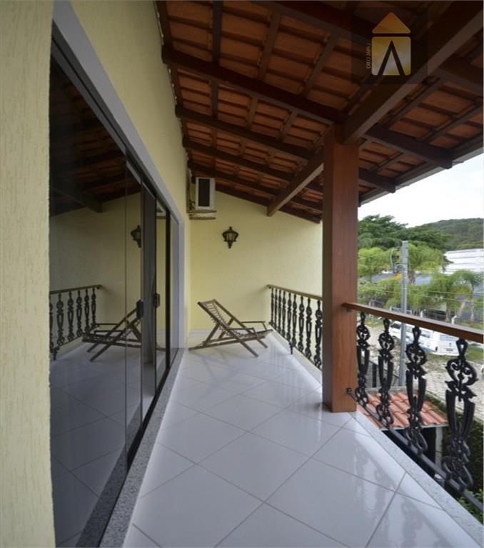 sobrado residencial a venda, fazenda, itajaí.com 4 dormitórios sendo 4 suítes.1 suíte máster ar cond. 12.000...
