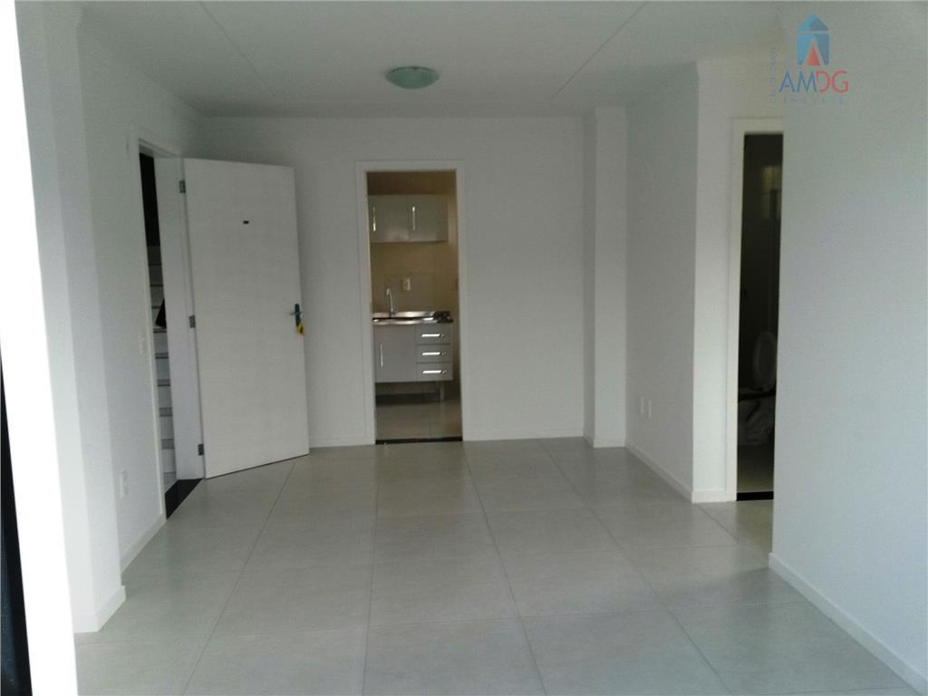 Apartamento residencial para locação, Monte Alegre, Camboriú - AP0728.