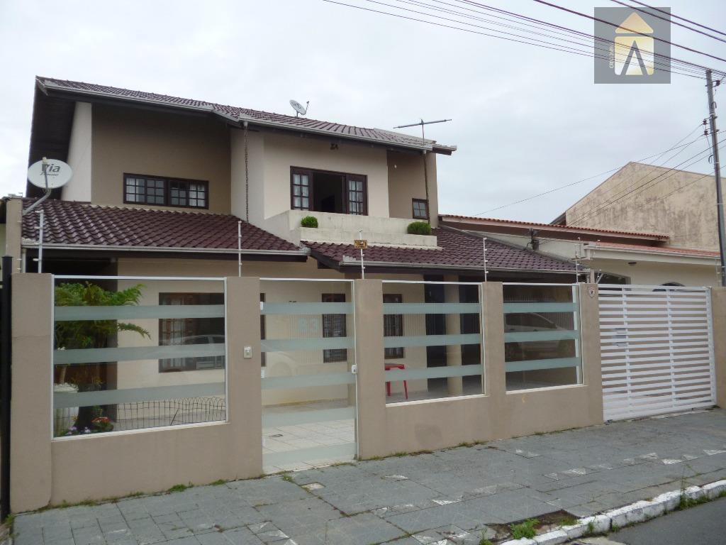 Sobrado residencial à venda, São Judas, Itajaí - SO0088.