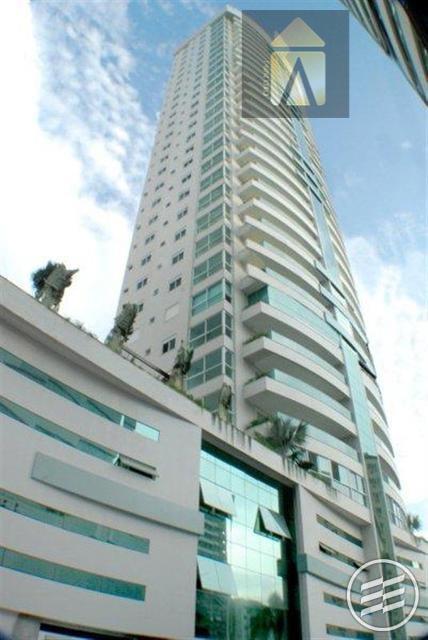 Apartamento residencial à venda, Centro, Balneário Camboriú - AP0967.