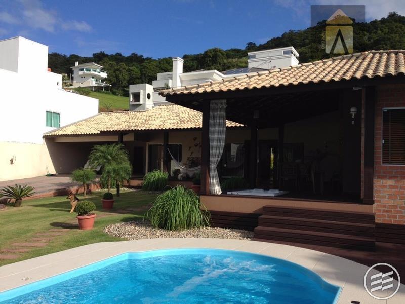 Casa residencial à venda, Barra, Balneário Camboriú - CA0335.