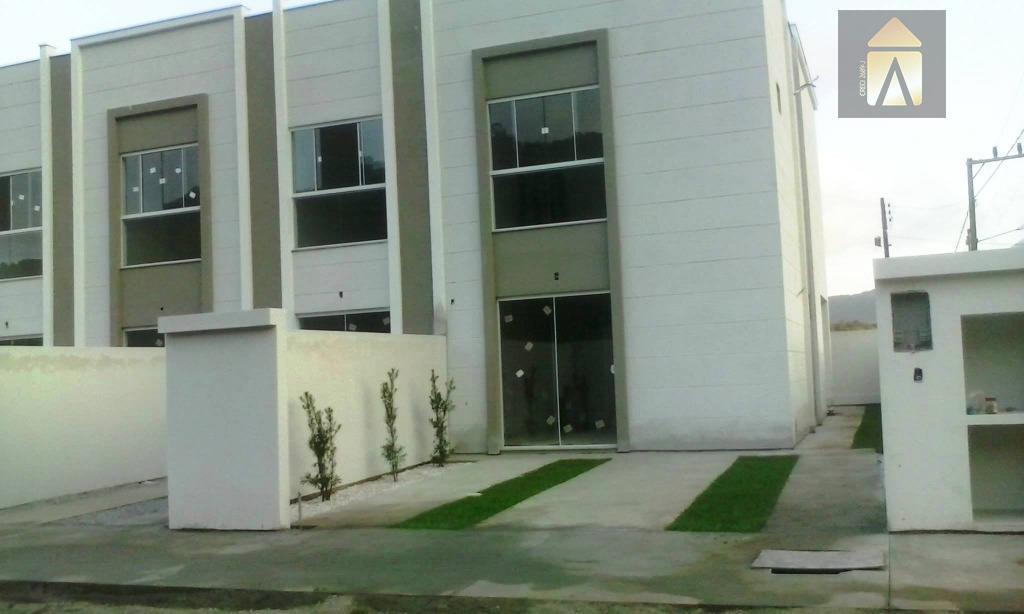 Sobrado residencial à venda, Rio Pequeno, Camboriú - SO0126.