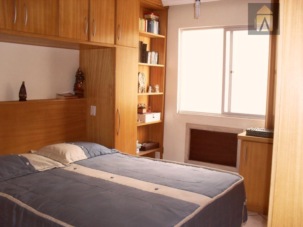 02 dormitórios, 01 suíte,lavabo,sala,copa,cozinha,área de serviço,garagem para 01 carro.