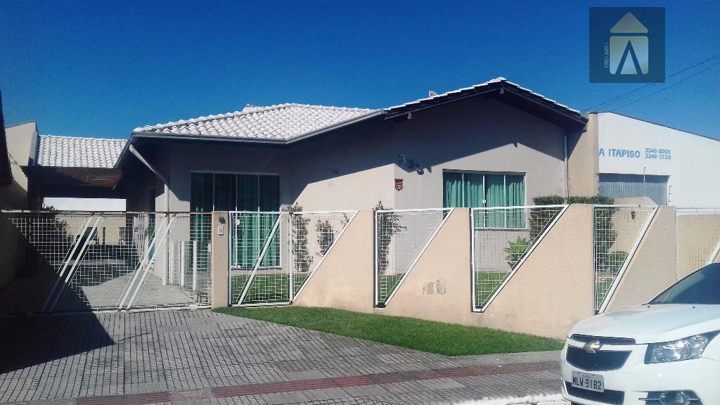 Casa residencial à venda, São João, Itajaí - CA0114.