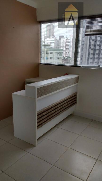 ótima sala comercial em localização privilegiada, no coração da cidade, com móveis sob medida, ar condicionado...