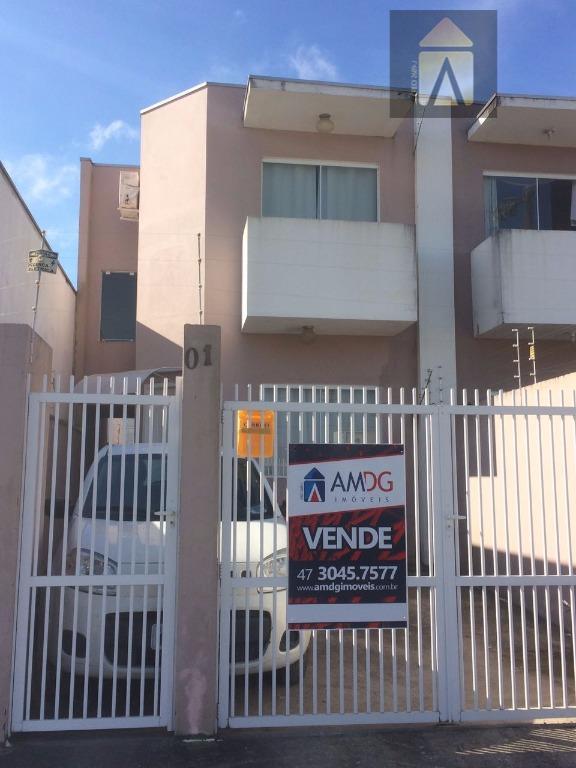 Sobrado residencial à venda, Espinheiros, Itajaí - SO0186.