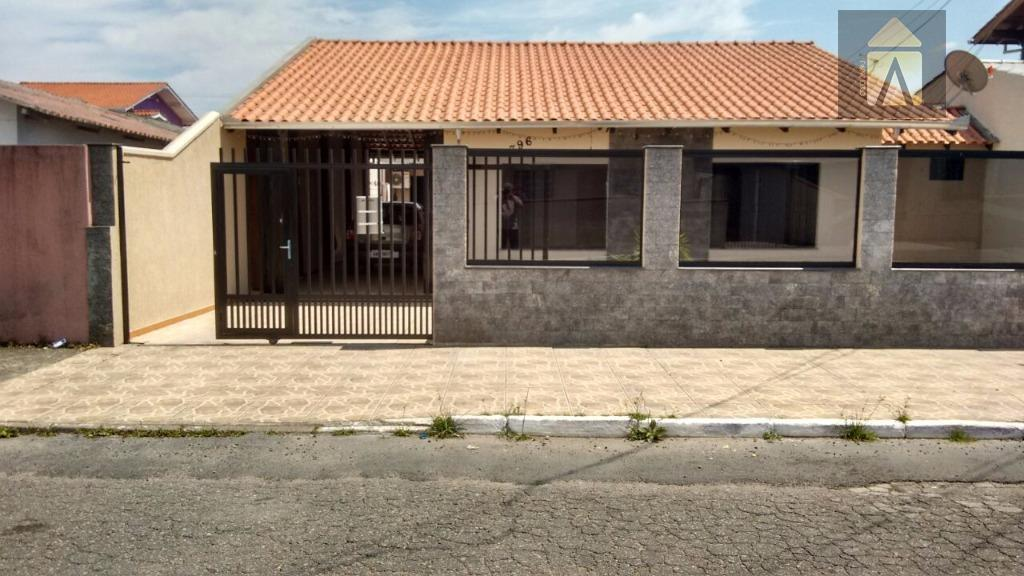 excelente casa com edícula!! 4 dormitórios (sendo 2 na casa e 2 na edícula), sala de...