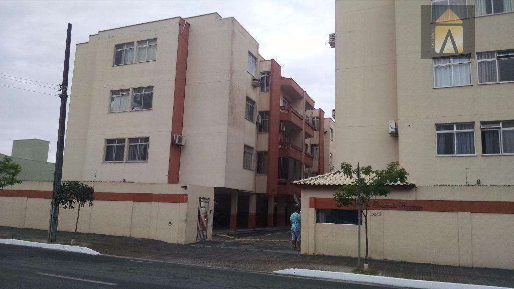 -Apartamento no Bairro São Vicente em condomínio fechado.