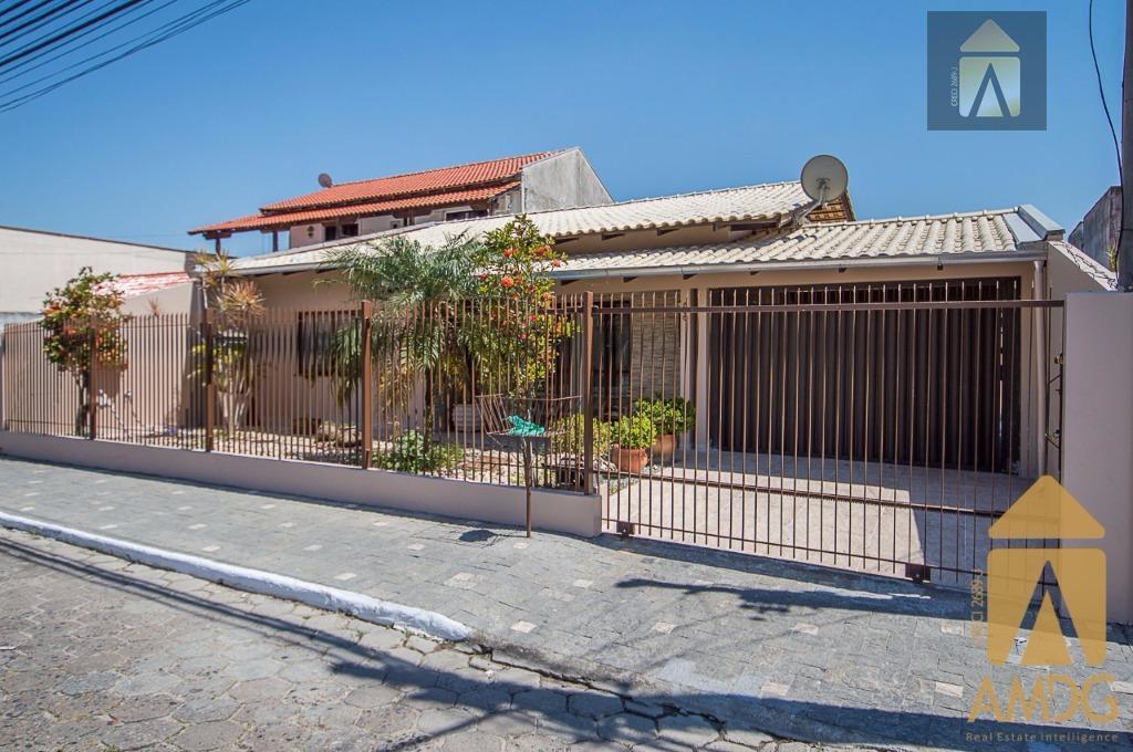 Casa residencial à venda, São Vicente, Itajaí.
