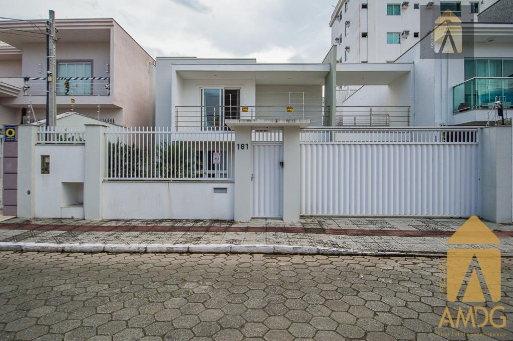 Casa residencial à venda, Ressacada, Itajaí.
