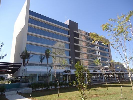 Sala comercial localizada dentro de um complexo comercial - mais de 50 lojas -  Mogilar -Mogi das Cruzes
