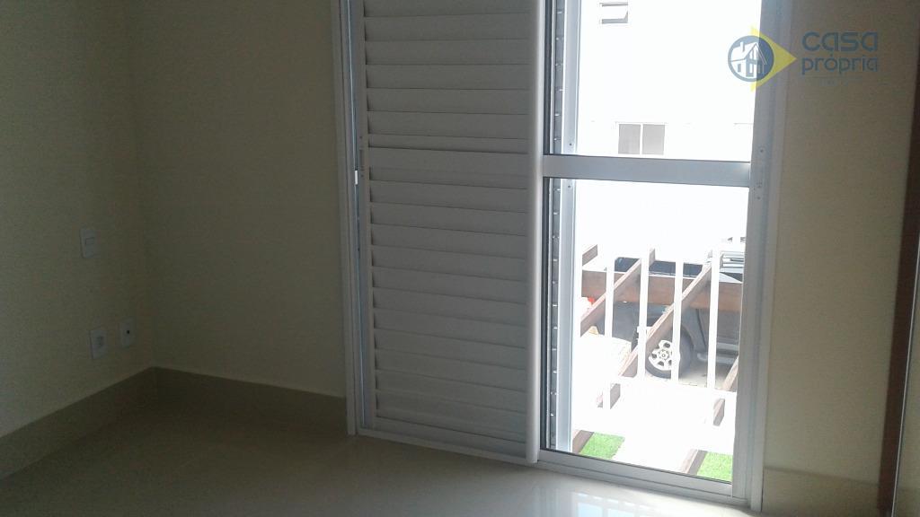 casa em condomínio para locação, 3 suítes, 220m2 de terreno, novinha, primeira locação, rica em armarios...