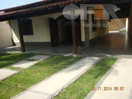 Casa linear de 3 quartos na primeira quadra da Avenida Central - Itaipu - Niterói.