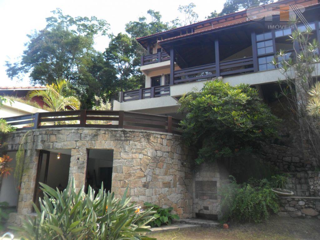 Maravilhosa casa duplex em condomínio de luxo em Itaipu
