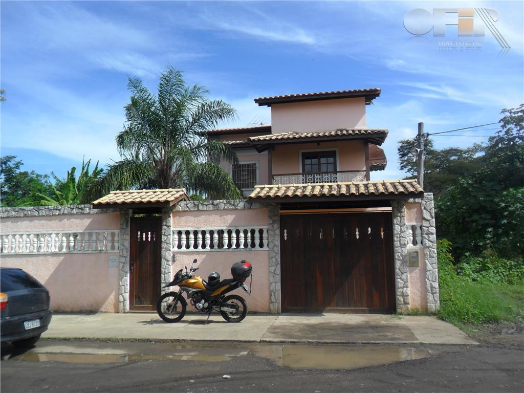 Ótima casa duplex construida em terreno de 450 M² em excelente local em Itaipu