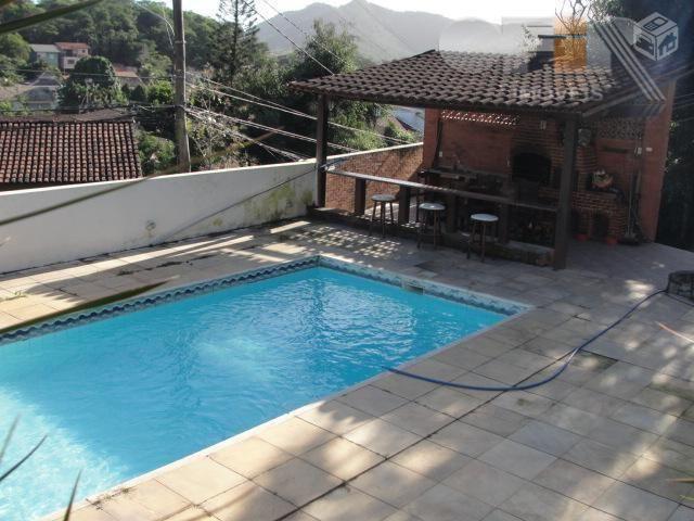 Excelente casa de 400 m² em lote de 1250 m² no Engenho do Mato em Niterói.