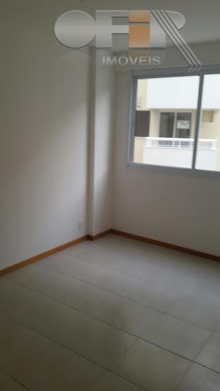 Ótimo apartamento de 2 quartos com suíte e varanda em Piratininga