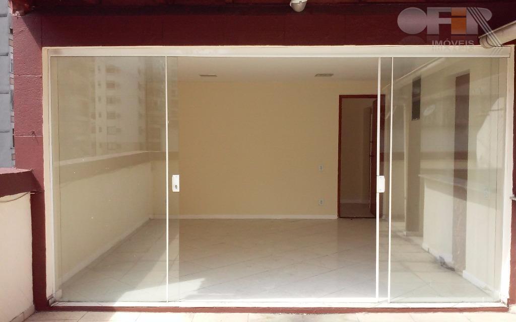 Cobertura duplex de 3 quartos na Rua Gavião Peixoto em Icaraí - Niterói.