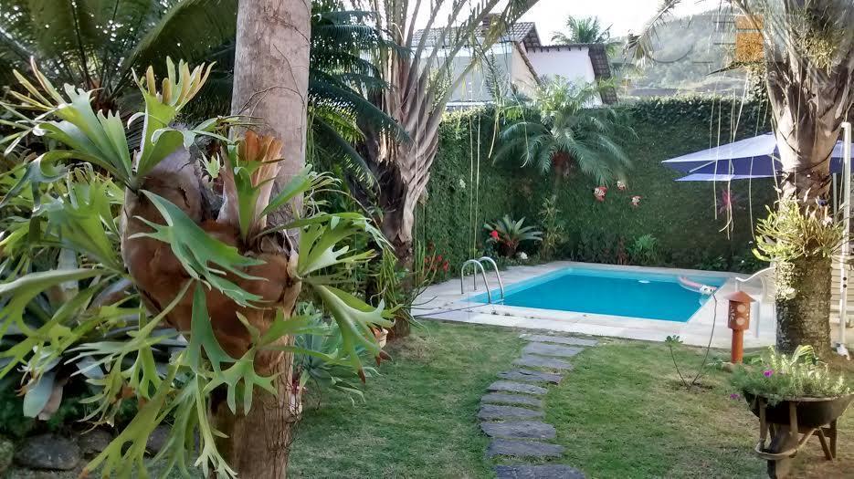 Maravilhosa casa em Piratininga próximo a praias oceânicas de 3 qtos, 2 vaga proprietário aceita permuta com  ótimo preço