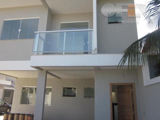Linda casa de 4 quartos em mini condomínio em Camboinhas!