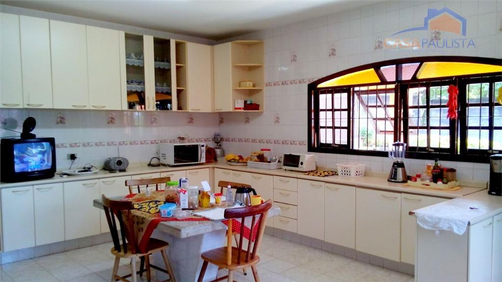 linda chácara com varanda, 4 dormitórios sendo 2 suítes, 1 banheiro, sala para 3 ambientes, cozinha...