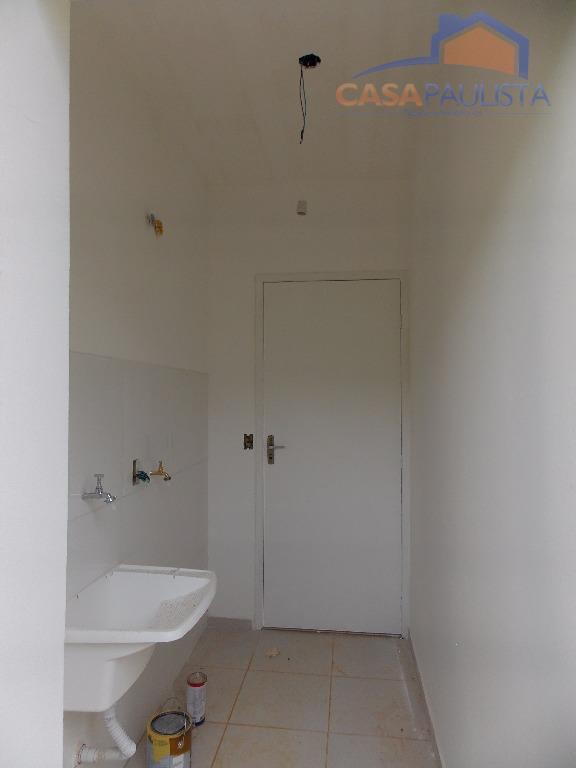 casa térrea com sala de estar, sala de jantar, cozinha modelo americano, despensa, 2 dormitórios, 1...