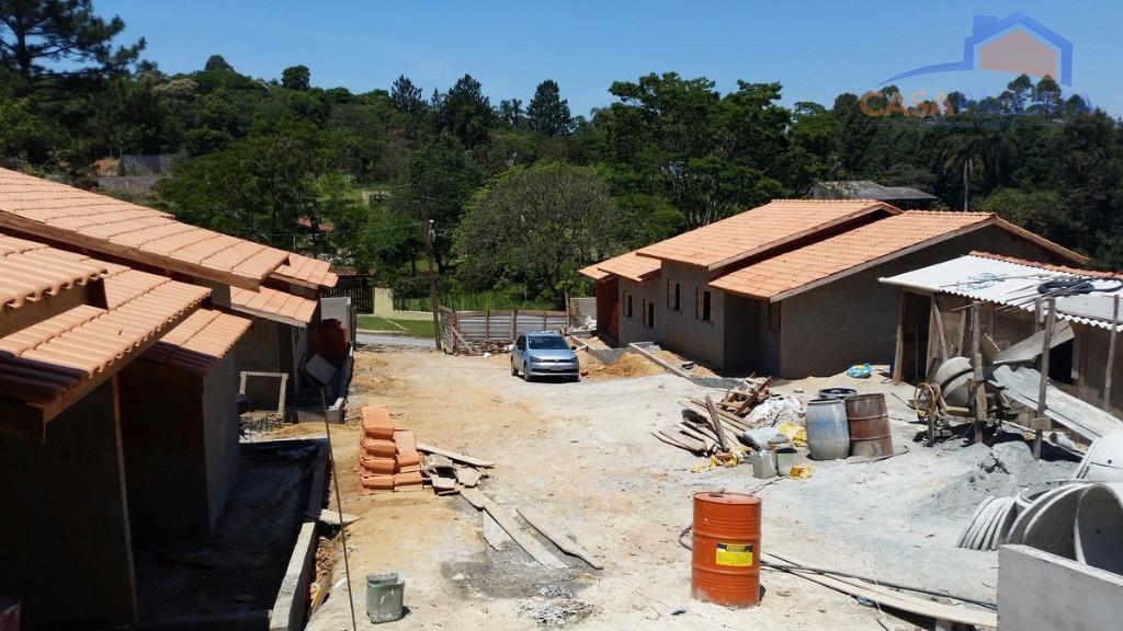 lindo villagio com 9 unidades de casas térreas com opções de 2 ou 3 dormitórios e...