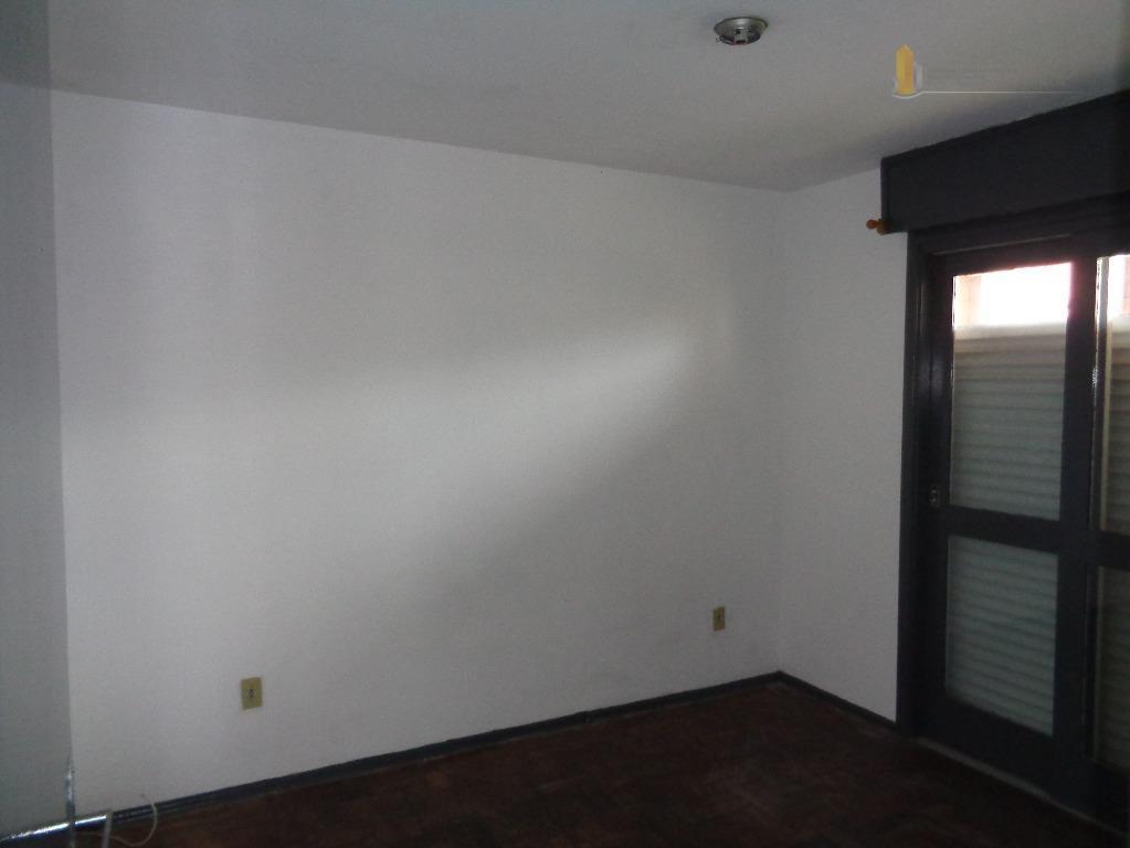 apartamento situado no bairro centro/porto, com 02 dormitórios,sala de estar, banheiro social, cozinha, área de serviço.piso:...