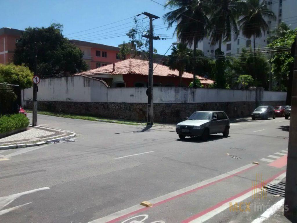 Casal para alugar com 09 quartos na Aldeota, em Fortaleza-CE