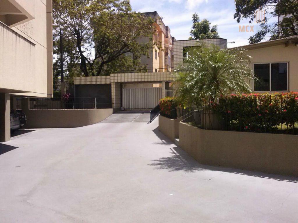 Apartamento à venda com 03 quartos, no Bairro de Fátima, Fortaleza-CE