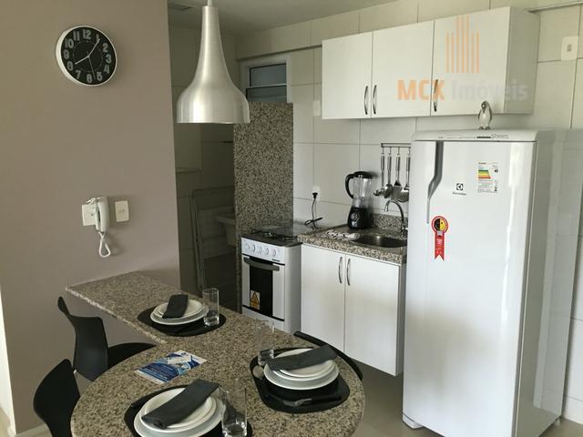 Apartamento mobiliado com 2 quartos para locação no bairro Guararapes, Fortaleza/CE.