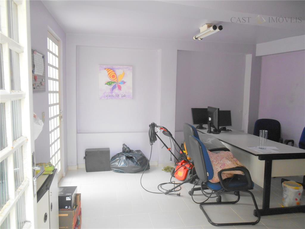 Casa de 4 dormitórios em Campina Do Siqueira, Curitiba - PR
