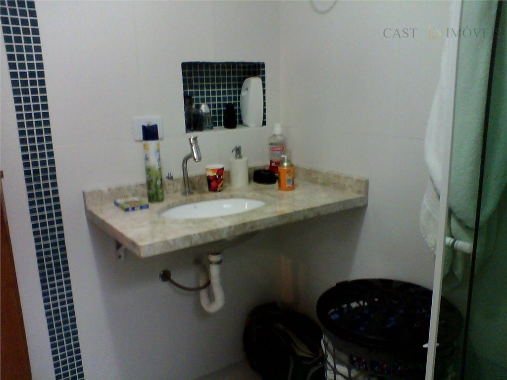 Casa de 4 dormitórios em Uberaba, Curitiba - PR