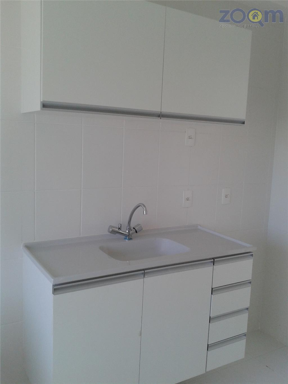excelente apartamento com 3 dormitórios sendo 1 suíte, todos com armários embutidos, piso laminado, sala 2...