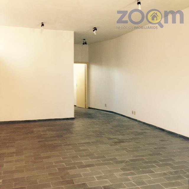 ótima casa comercial contendo uma sala comercial de 52 m2, 1 wc e 1 vaga. localizada...