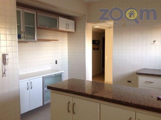 lindo apartamento com 143m², 3 quartos, sendo 1 suíte com ar condicionado, todos com armários embutidos,...