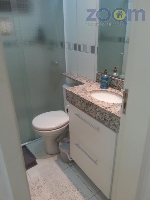 ótimo apartamento com 54m², 2 quartos com armários embutidos, cozinha tipo americana com armários embutidos, sala...