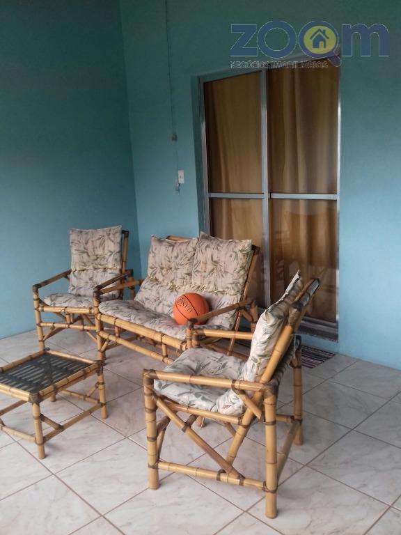 ótima casa no jardim itália com ac 144m², sala, copa, 3 quartos sendo 1 suíte, cozinha...