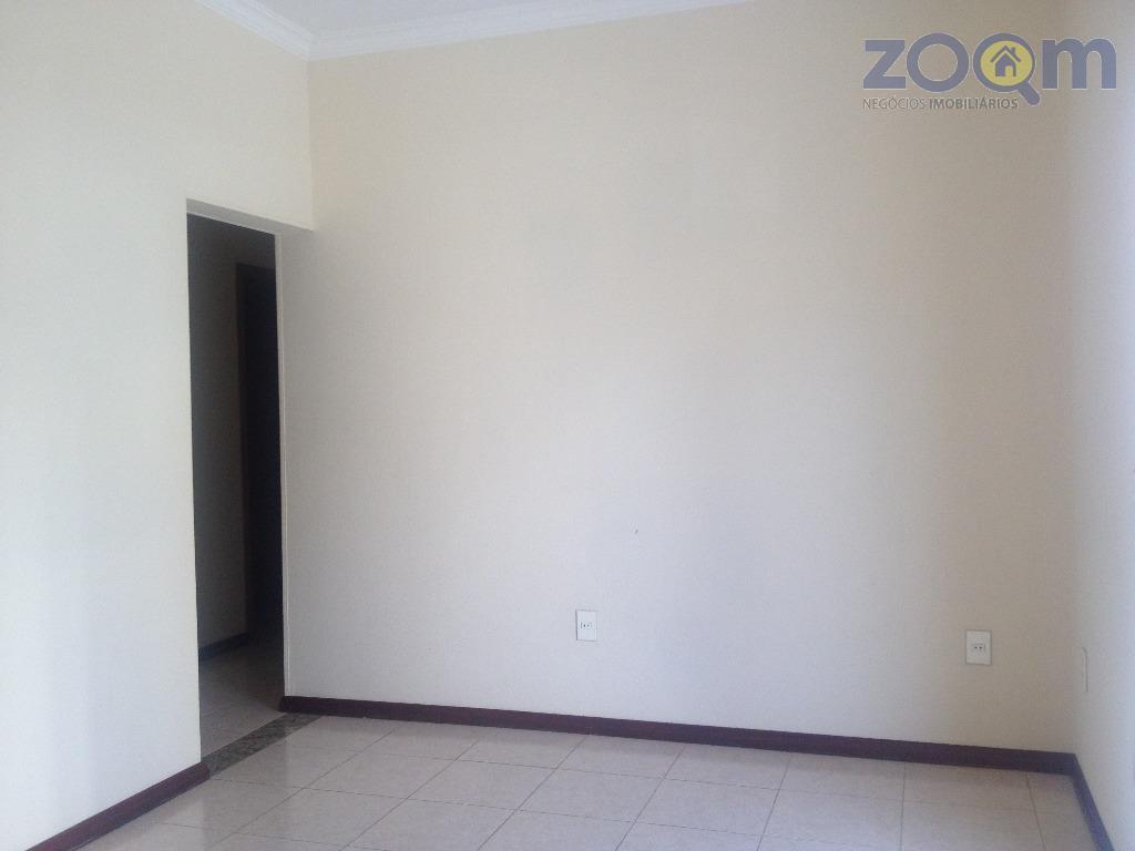 linda casa, em localização privilegiada e segura com 290m²ac, com sala 2 ambientes, escritório, cozinha ampla...