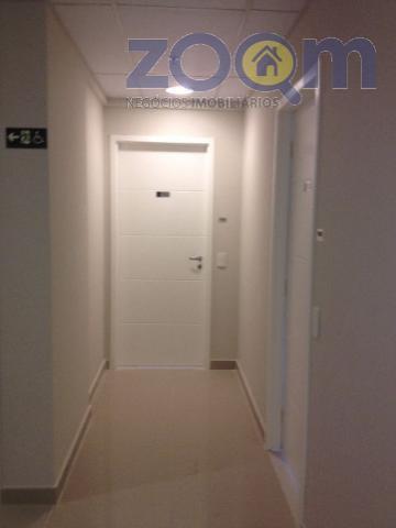 sala em um dos melhores condomínios de jundiaí, com 38m², sacada, andar alto, banheiro, com toda...