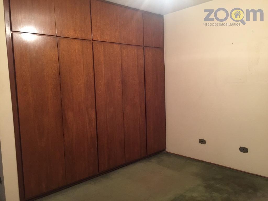 casa com 4 dormitórios sendo 1 suíte com varanda, cozinha com armário planejado, sala dois ambientes,...