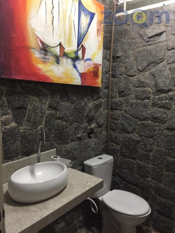 casa comercial / residencial localizado no bairro anhangabaú, toda térrea com 3 salas, 3 dormitórios sendo...