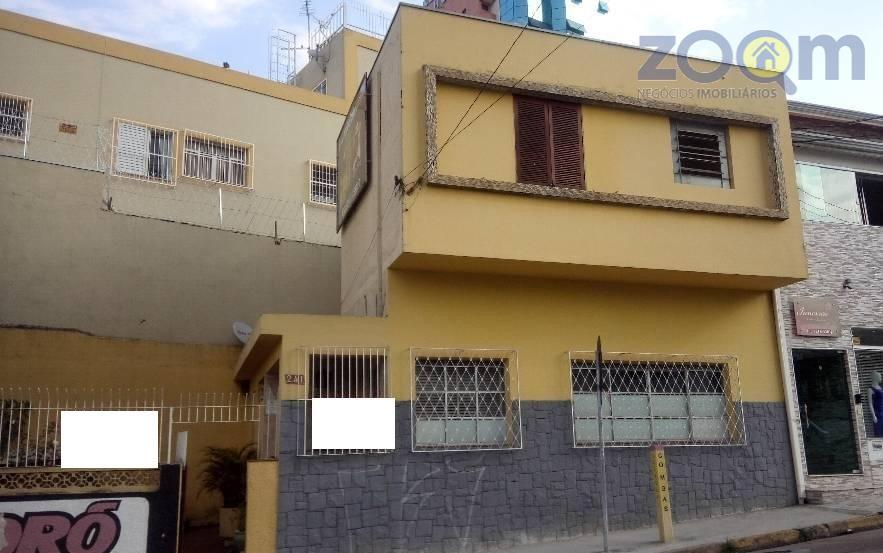 casa com dois dormitórios, sala, cozinha, 2 banheiros, lavanderia e amplo quintal. na esquina da rua...